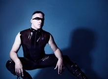 Magna-Sleeveless Shirt and Jeans